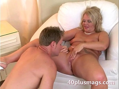 blonde  cougar  housewife  plump